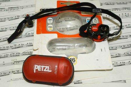 Petzl E-Lite 002